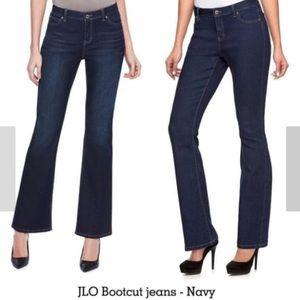 Jennifer Lopez Boot cut Jeans size 26